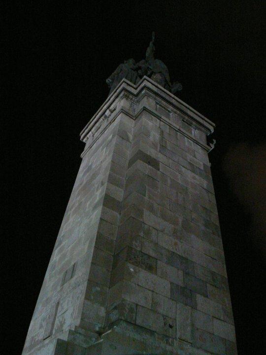 Стената падна - паметникът си стои 09.11.2010 (3/6)