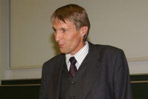 д-р Хубертус Кнабе